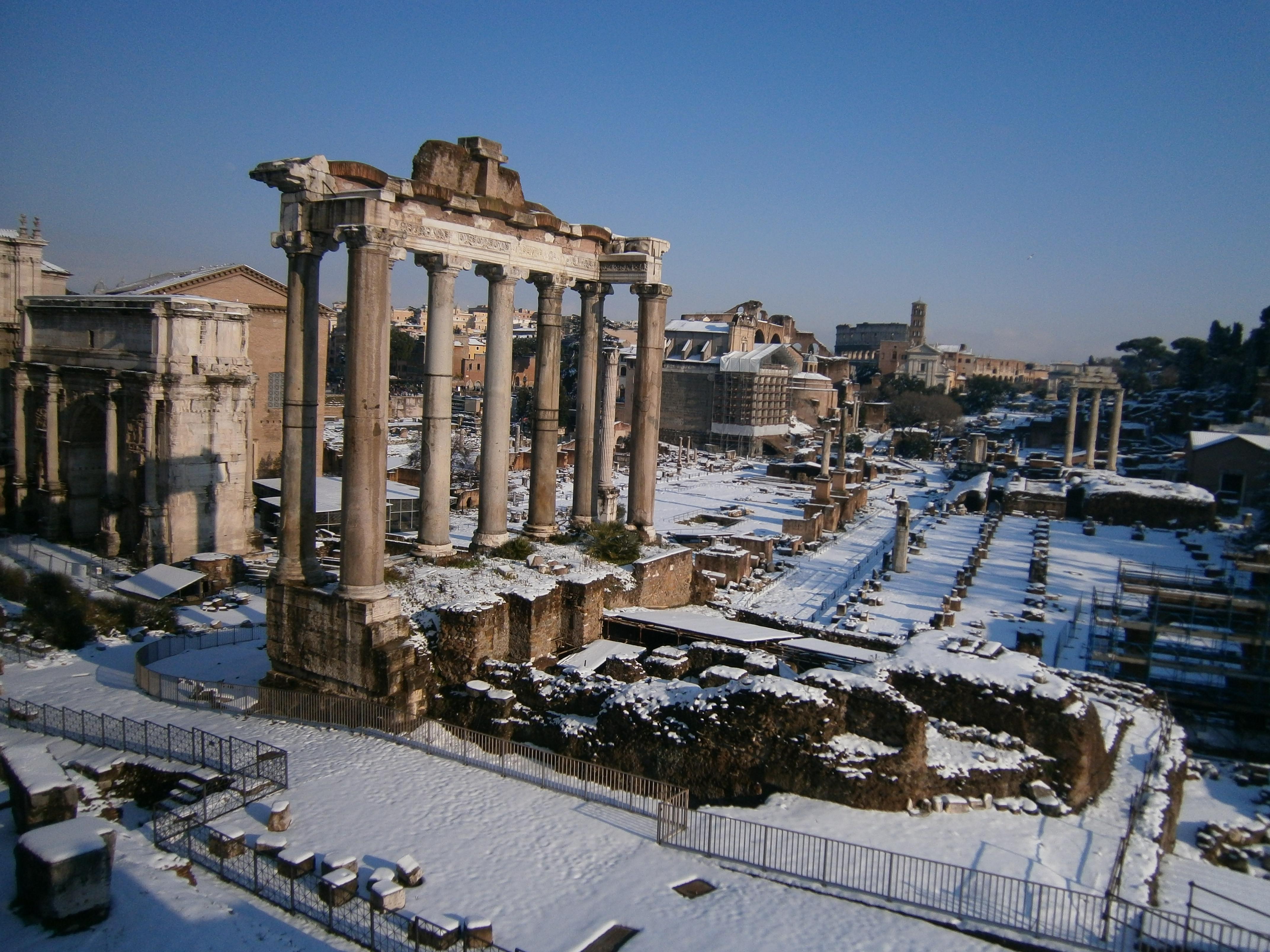 forum romanum i snö
